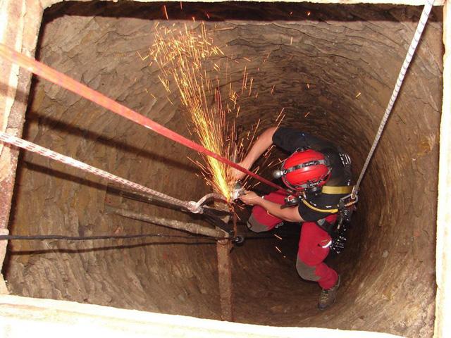 Industrieklettern Brunnenklettern